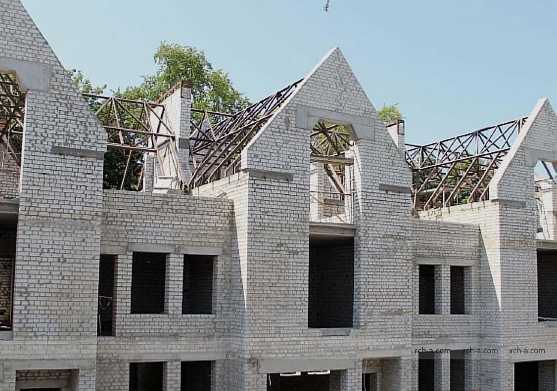 Таунхаус Металлическая конструкция крыши