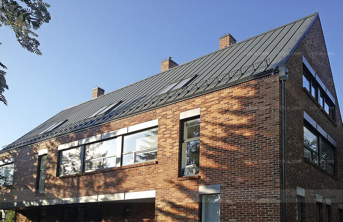Здание архитектурного бюро BASS. Крыша без свесов